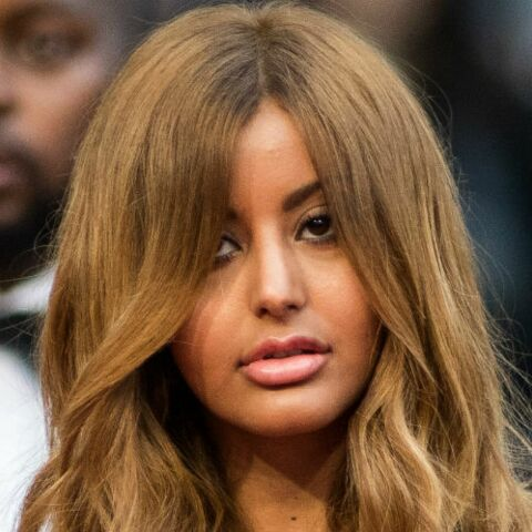 PHOTOS – Cannes 2019: La chute de reins de Zahia enflamme les marches