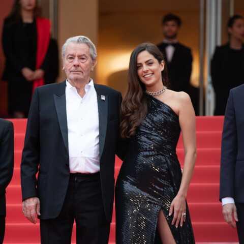 PHOTOS – Cannes 2019: Anouchka Delon, magnifique dans une robe fendue au bras de son père, Alain Delon