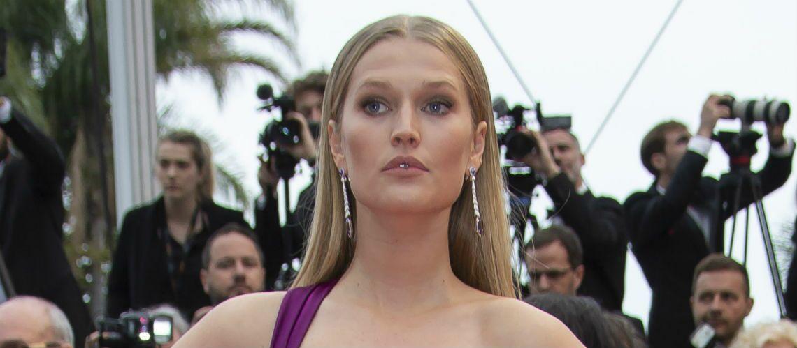 PHOTOS – Cannes 2019: La robe (très) fendue de Toni Garrn fait craindre un coup de vent - Gala