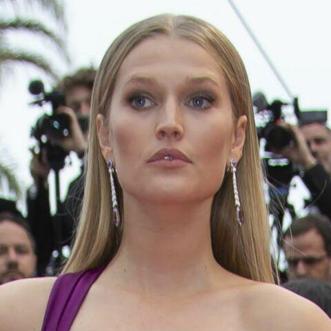 PHOTOS – Cannes 2019: La robe (très) fendue de Toni Garrn fait craindre un coup de vent