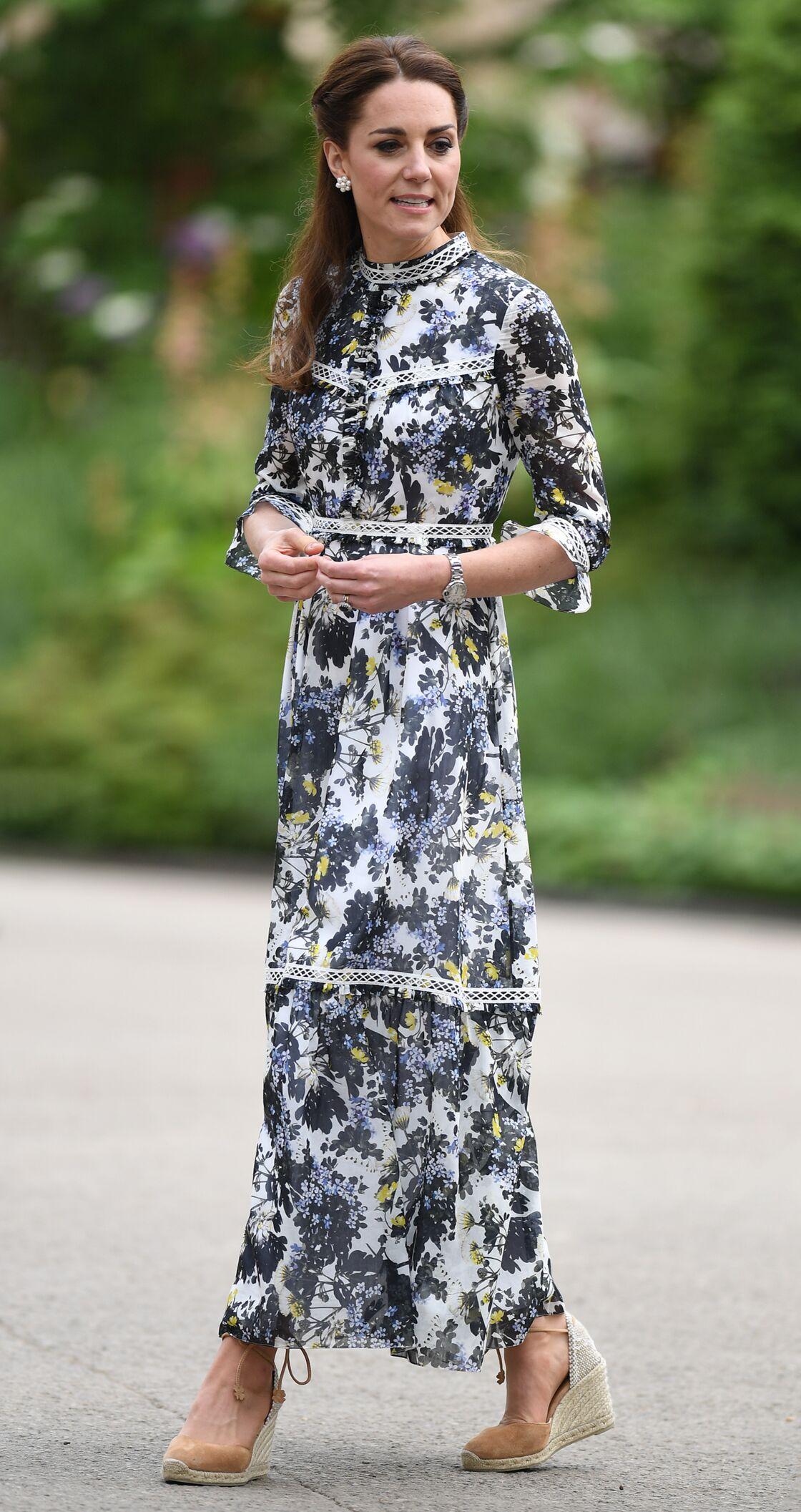 Kate Middleton, 37 ans, dans son jardin dessiné pour le Chelsea Flower Show, ce 20 mai 2019.
