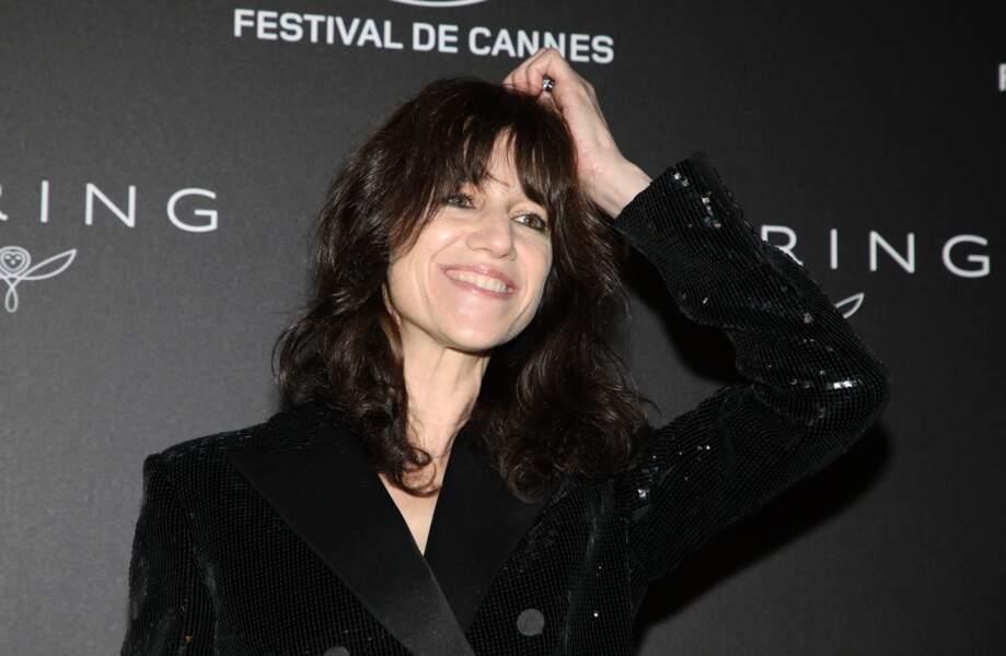 Charlotte Gainsbourg à Cannes avec une coupe shag très réussie