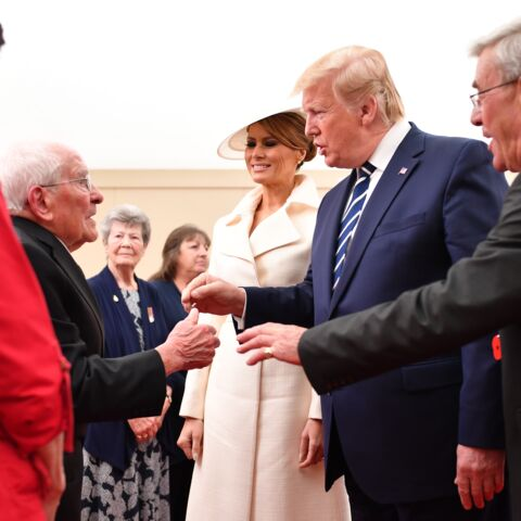 Melania Trump draguée par un vétéran de 93 ans sous les yeux de Donald Trump
