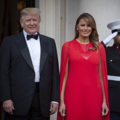 PHOTOS – Melania Trump marque son soutien à Meghan Markle grâce à une tenue très symbolique