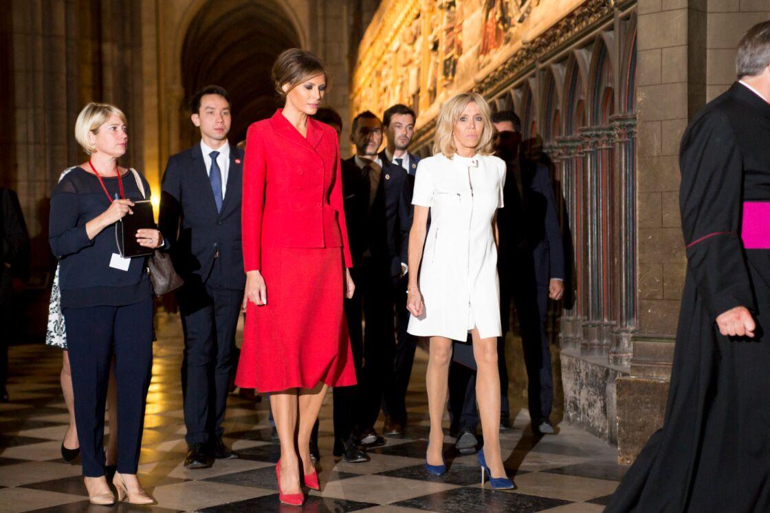 Melania Trump et Brigitte Macron visitant Notre-Dame-de-Paris, en juillet 2017.