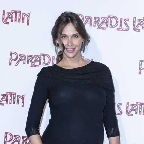 PHOTOS – Ophélie Meunier enceinte: elle rayonne dans une robe de grossesse chic