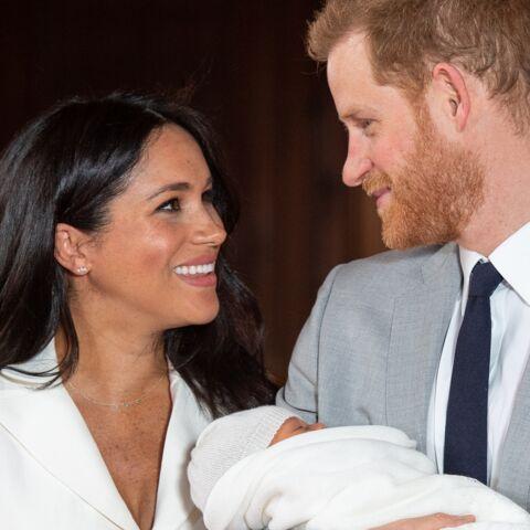 PHOTO: Découvrez le visage craquant d'Archie dans les bras du prince Harry pour sa première fête des pères