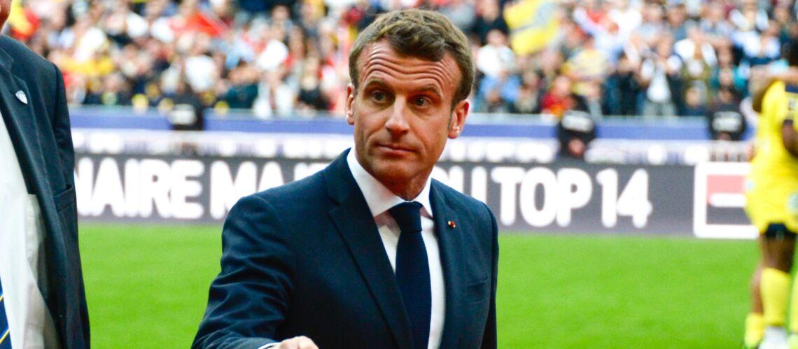 Emmanuel Macron victime (malgré lui) des sifflets contre Bernard Laporte - Gala