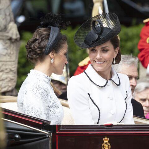 PHOTOS – Letizia d'Espagne stylée avec un chignon bouclé: son clin d'œil discret à Kate Middleton