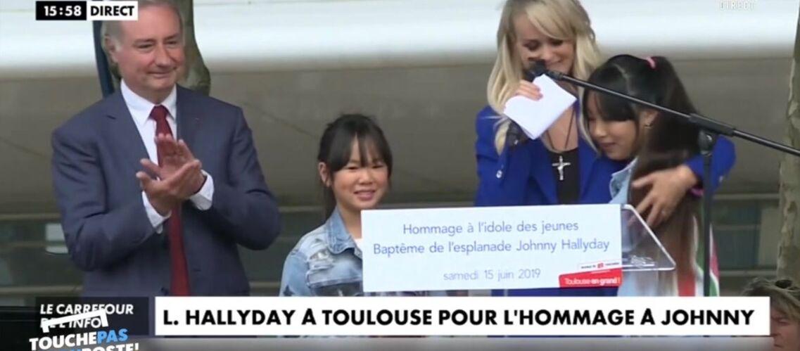 VIDÉO – Laeticia Hallyday: la bourde du maire de Toulouse sur Jade et Joy lors de l'hommage à Johnny - Gala