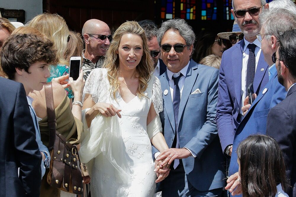 Laura Smet et Raphaël Lancrey-Javal lors de leur mariage religieux, au Cap Ferret, le 15 juin 2019.