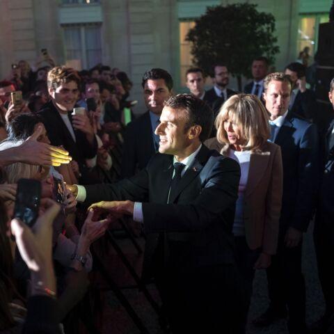 PHOTOS: Brigitte et Emmanuel Macron déchaînés pendant la fête de la musique à l'Elysée aux côtés des Brigitte et d'Elton John