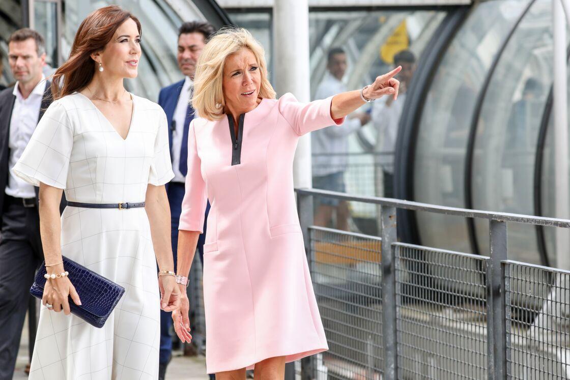Brigitte Macron et Mary de Danemark, lors de leur visite du Centre Pompidou, le 24 juin