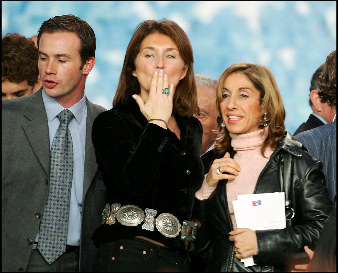 Cécilia Sarkozy en vraie rock star pendant un meeting de son mari