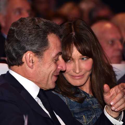 PHOTO – Carla Bruni-Sarkozy, première fan de son mari: elle le prouve à nouveau