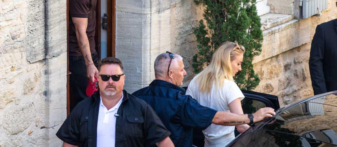 PHOTOS \u2013 Joe Jonas et Sophie Turner  sécurité maximale pour le mariage de  l\u0027année ! , Gala