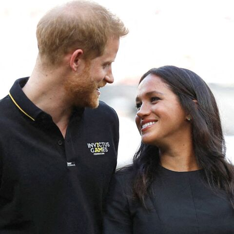 Meghan Markle rompt son congé maternité et crée la surprise aux côtés du prince Harry