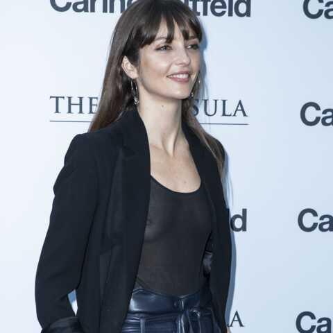 PHOTOS – Annabelle Belmondo très sexy en body transparent et pantalon en cuir