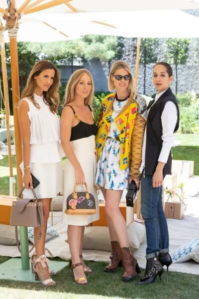 Alex Rivière, Carin Olsson,  Sofie Valkiers et Lana El Sahely prennent la pose avant le déjeuner Louis Vuitton.