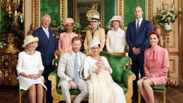 Quand le visage figé du Prince William au baptême d'Archie provoque l'hilarité des internautes