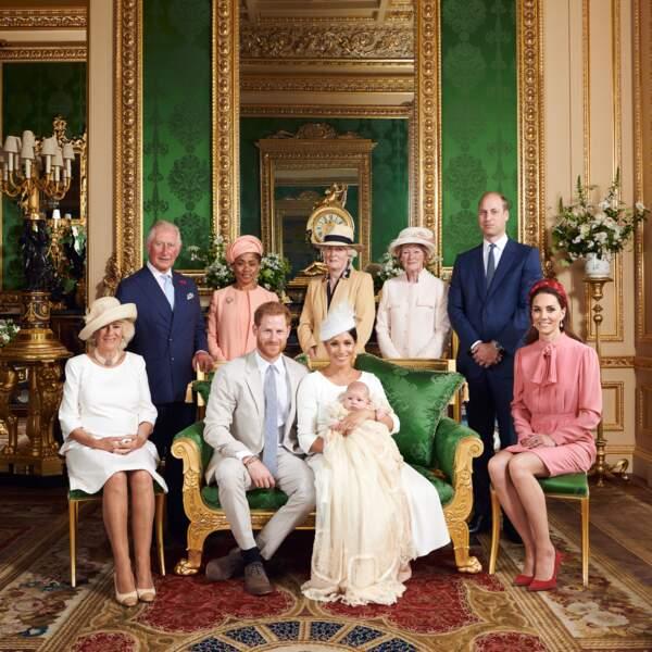 Archie s'est fait baptiser en tout petit comité, avec sa famille proche dont les sœurs de Lady Diana