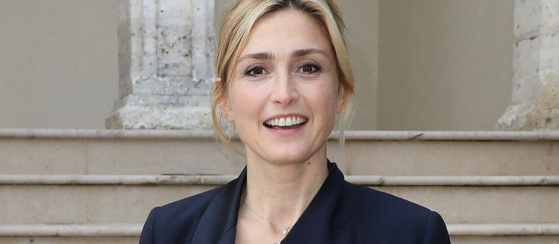 """Julie Gayet """"se verrait bien à l'Elysée"""" à la place de Brigitte Macron - Gala"""