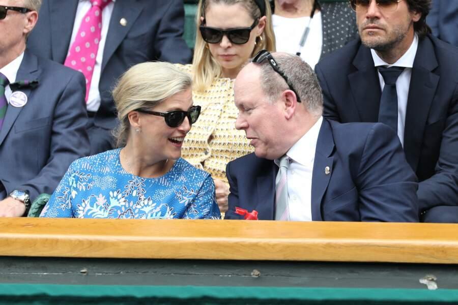 La voisine du prince Albert de Monaco à Wimbledon ce 10 juillet n'était autre que Sophie Rhys-Jones