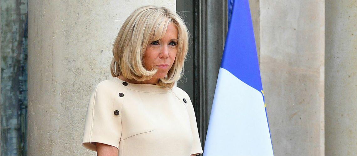 PHOTOS – Brigitte Macron en robe manche courte beige : c'est déjà l'été à l'Élysée - Gala