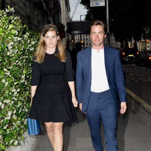 PHOTOS – Béatrice d'York chic en petite robe noire pour dîner avec son amoureux Edoardo Mapelli Mozzi