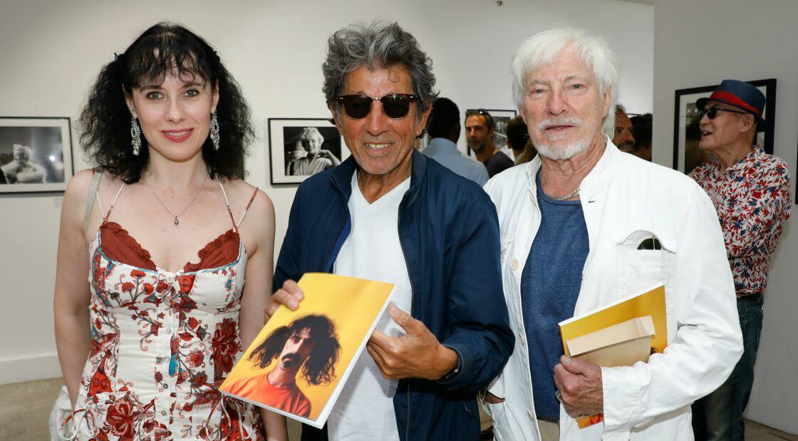 Hugues Aufray et sa compagne Muriel, entourés de Tony Franck