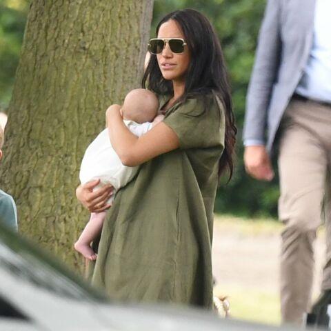 PHOTOS – Meghan Markle critiquée: sa façon de tenir son fils Archie ne passe pas