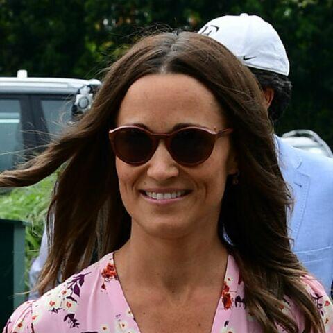 PHOTOS – Pippa Middleton: sa robe rose à fleurs à Wimbledon encensée par la presse anglaise