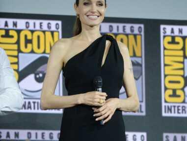 PHOTOS - Angelina Jolie, toujours aussi sublime à 44 ans dans un fourreau audacieux