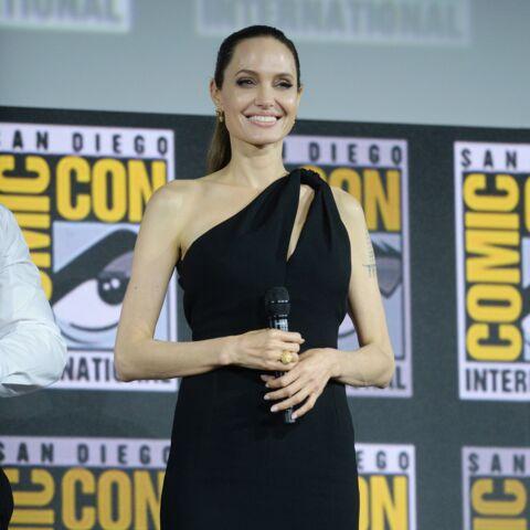PHOTOS – Angelina Jolie, toujours aussi sublime à 44 ans dans un fourreau audacieux