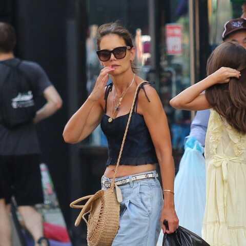 PHOTOS – Katie Holmes et sa fille Suri Cruise, très stylées pour une séance shopping intense