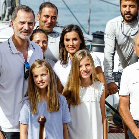 PHOTOS – Letizia et Felipe d'Espagne profitent enfin des vacances en famille à Majorque
