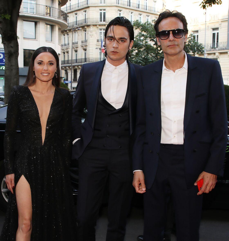Capucine Anav, Alain-Fabien Delon et Anthony Delon, à Paris, le 3 juin 2019.