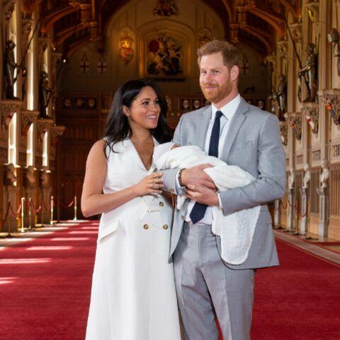 """Archie, le fils de Meghan Markle et Harry, a bien des """"touffes de cheveux roux"""""""