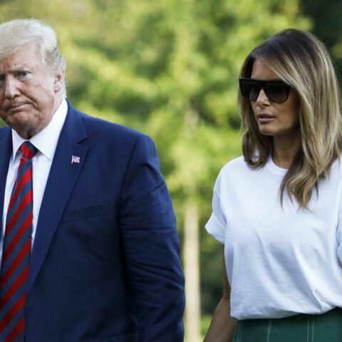 PHOTOS – Melania Trump: look chic et estival pour son retour de vacances au bras de Donald
