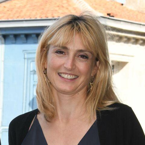 PHOTOS – Julie Gayet s'éclate à Angoulême… sans François Hollande
