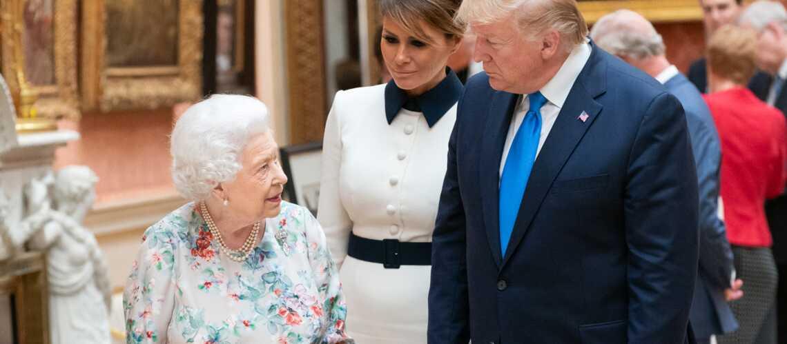 """Elizabeth II ironise sur la dernière visite de Donald Trump, qui aurait """"ruiné"""" la pelouse de Buckingham - Gala"""