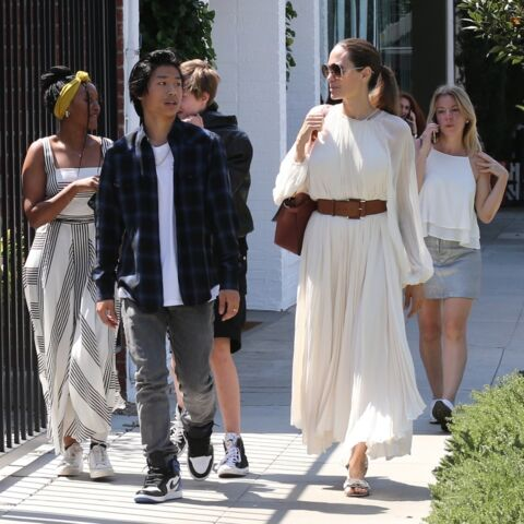 PHOTOS – Angelina Jolie et ses enfants radieux pour une joyeuse sortie en famille