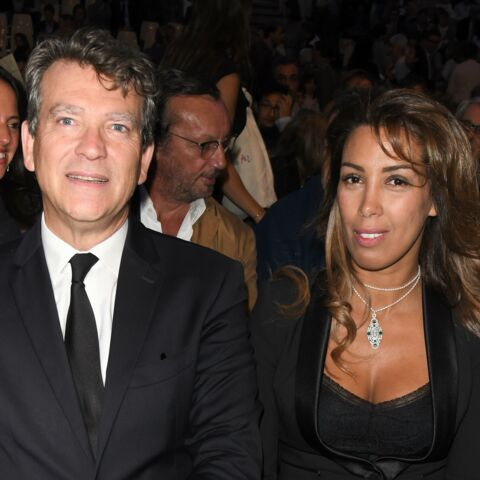 PHOTOS – Arnaud Montebourg tout sourire avec sa chérie Amina… sous l'œil d'Anne Gravoin l'ex de Manuel Valls