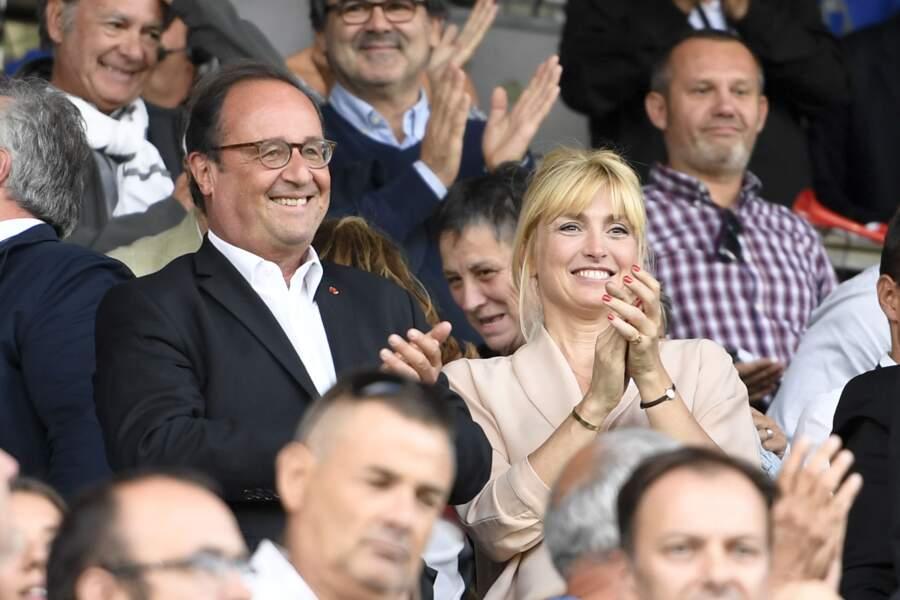 François Hollande et Julie Gayet ont assisté à un match de rugby à Brive-La-Gaillarde ce dimanche 8 septembre