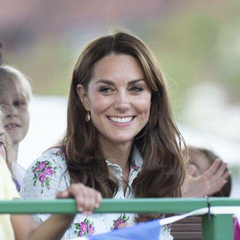 PHOTOS – Kate Middleton ravissante en robe fleurie, provoque une énième rupture de stock!