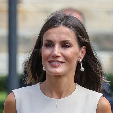 PHOTOS – Comme Kate Middleton, Letizia d'Espagne très chic, assume parfaitement ses cheveux blancs