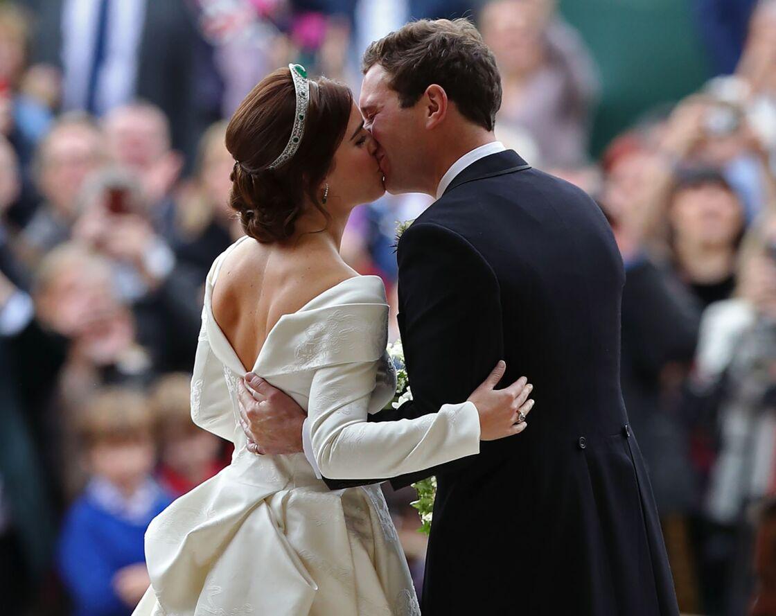 La princesse Eugenie et Jack Brooksbank lors de leur mariage à la chapelle Saint-George, au château de Windsor, à Londres, le 12 octobre 2018.