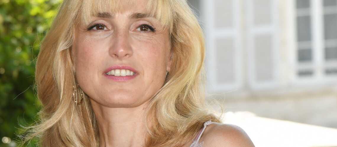Julie Gayet : cette petite phrase maladroite de François Hollande à l'une de ses amies - Gala