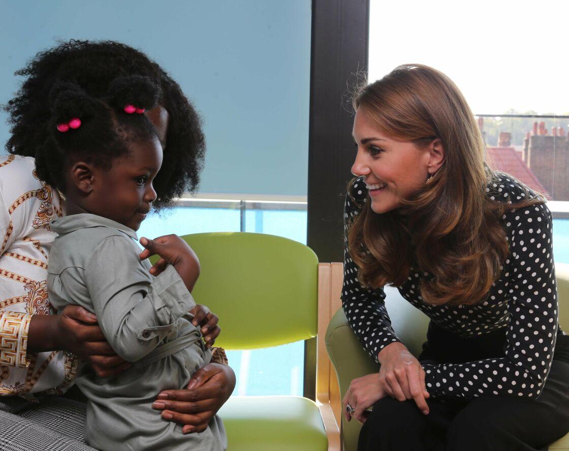 Kate Middleton lors de sa visite royale dans un centre de santé pour enfants et adolescents, à Londres, le 19 septembre 2019.