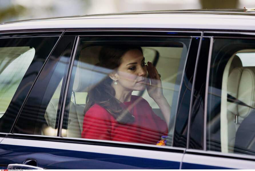 Kate Middleton, très émue après une visite dans un hôpital pour enfant à Norwich, le 25 novembre 2014